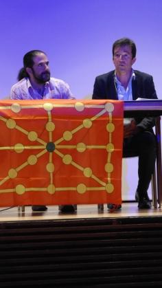 Juanjo Álvarez, durante su intervención ayer en el Centro Cívico Aldabe (Argazkia: I. Larramendi)