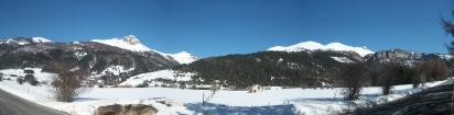El Valle de Belagua bajo la nieve. En mitad de la imagen, tras el área boscosa, el paso de Arrakogoiti (Fuente: I. Larramendi)