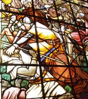 Detalle de la vidriera que muestra un instante de la Batalla de Atapuerca (Iturria: www.sierradelademanda.com)