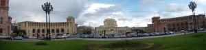 Plaza de la República, en Yereván. En el centro, el Museo de Historia Nacional (Argazkia: Iñigo Larramendi)