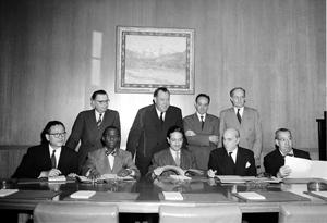 """Firma de la """"Convención contra el Genocidio"""", en octubre de 1950 (Iturria: www.un.org)"""