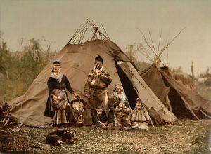 Familia Sami de alrededor de 1900 (Iturria: Wikipedia)